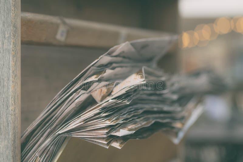Μια δέσμη των φύλλων του εγγράφου σε ένα συρτάρι στοκ φωτογραφίες