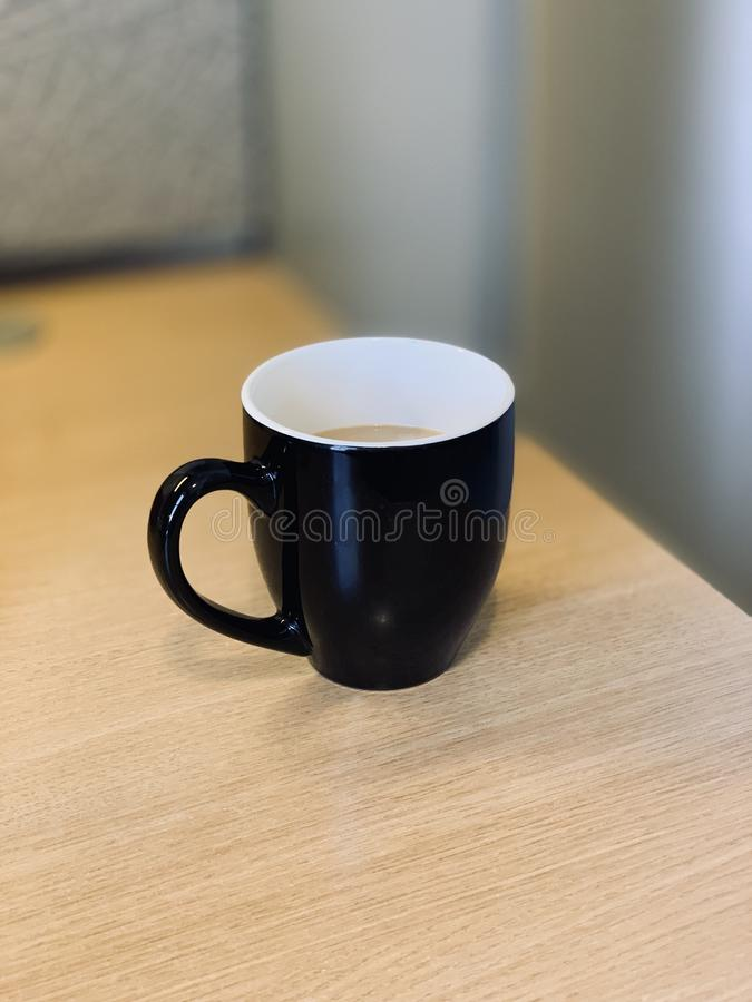 Μια Δευτέρα πρωί φλιτζάνι του καφέ στοκ εικόνα