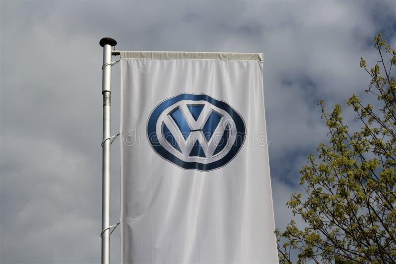 Μια εικόνα ενός λογότυπου της VOLKSWAGEN - VW - Lemgo/Γερμανία - στις 29 Απριλίου του 2017 στοκ εικόνες με δικαίωμα ελεύθερης χρήσης