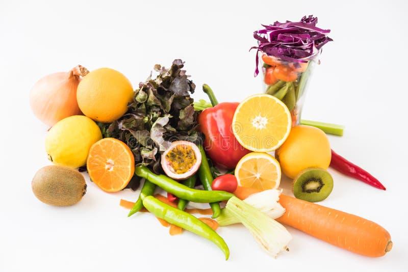 Μια επιλογή των φρέσκων λαχανικών για μια υγιεινή διατροφή καρδιών όπως συστήνεται από τους γιατρούς στοκ φωτογραφία με δικαίωμα ελεύθερης χρήσης