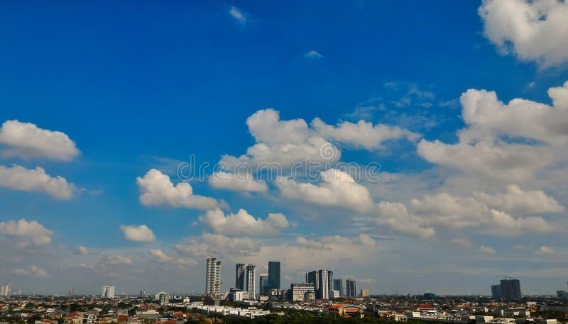 Μια θερινή ημέρα στην πόλη στοκ εικόνες