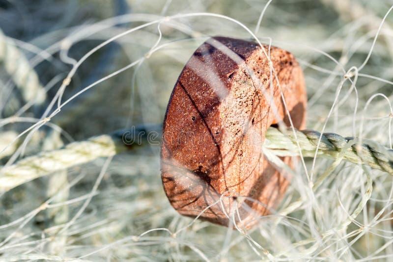 Μια κινηματογράφηση σε πρώτο πλάνο ενός διχτυού του ψαρέματος στοκ φωτογραφία
