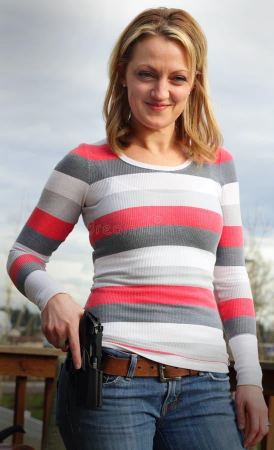 Ευτυχής ιδιοκτήτης πυροβόλων όπλων στοκ φωτογραφίες με δικαίωμα ελεύθερης χρήσης