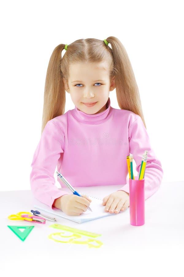 Μια μαθήτρια στον πίνακα στοκ φωτογραφία με δικαίωμα ελεύθερης χρήσης