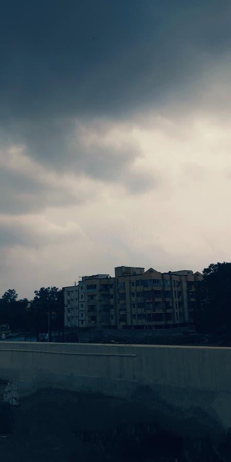 Μια νεφελώδης ημέρα έχει τη βροχή στοκ εικόνες