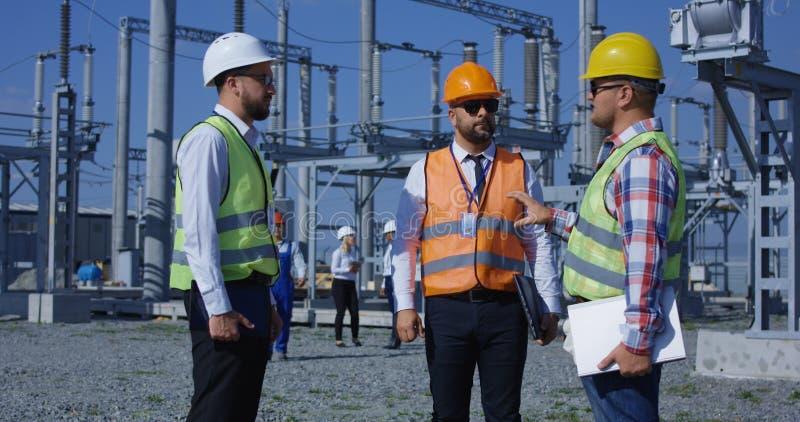 Μια ομάδα ηλεκτρικών εργαζομένων στοκ φωτογραφία με δικαίωμα ελεύθερης χρήσης