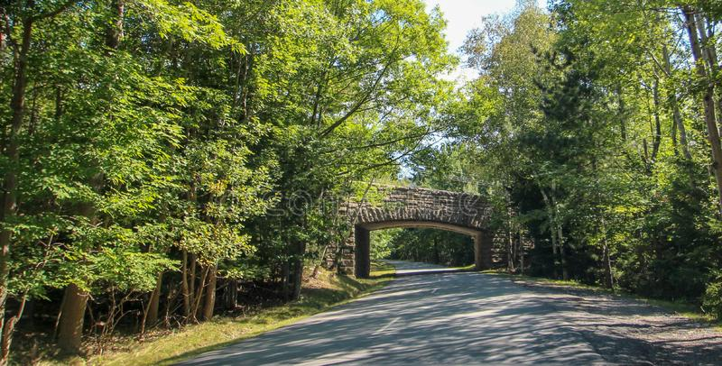 Μια πέτρινη γέφυρα στη Νέα Αγγλία στοκ εικόνα
