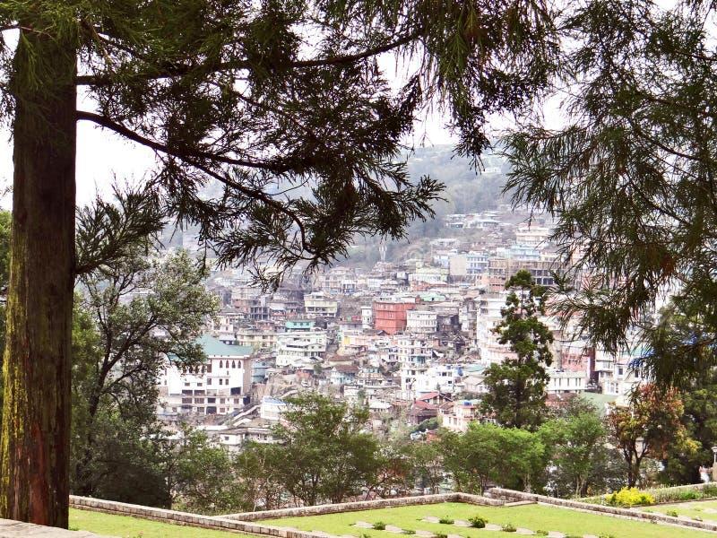 Μια πανοραμική άποψη της πόλης λόφων Kohima στοκ εικόνες