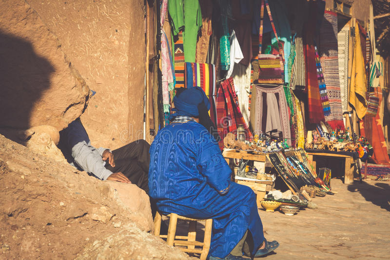 Μια παραδοσιακή αγορά στην παλαιά πόλη Essaouira, Μαρόκο στοκ εικόνες