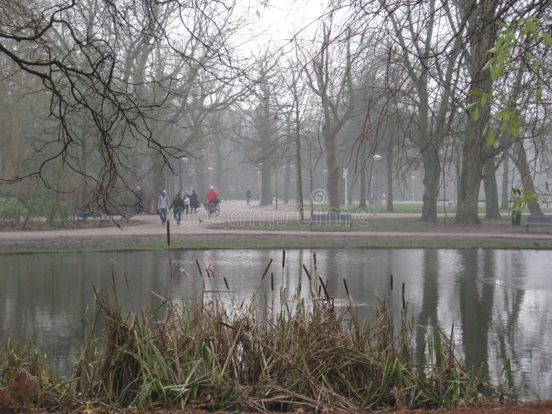 Μια πολυάσχολη ημέρα μέσα στο Vondelpark, Άμστερνταμ στοκ φωτογραφία με δικαίωμα ελεύθερης χρήσης