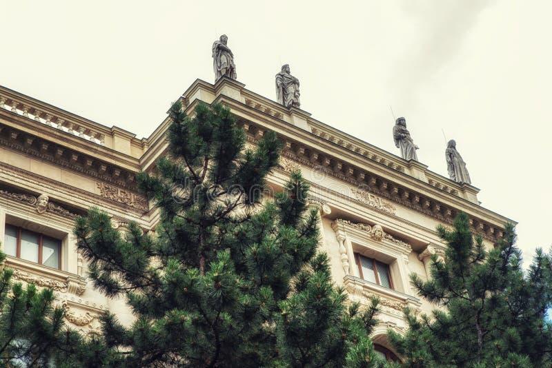 Μια πρόσοψη απαριθμεί του μουσείου φυσικής ιστορίας, Βιέννη, Αυστρία στοκ εικόνες