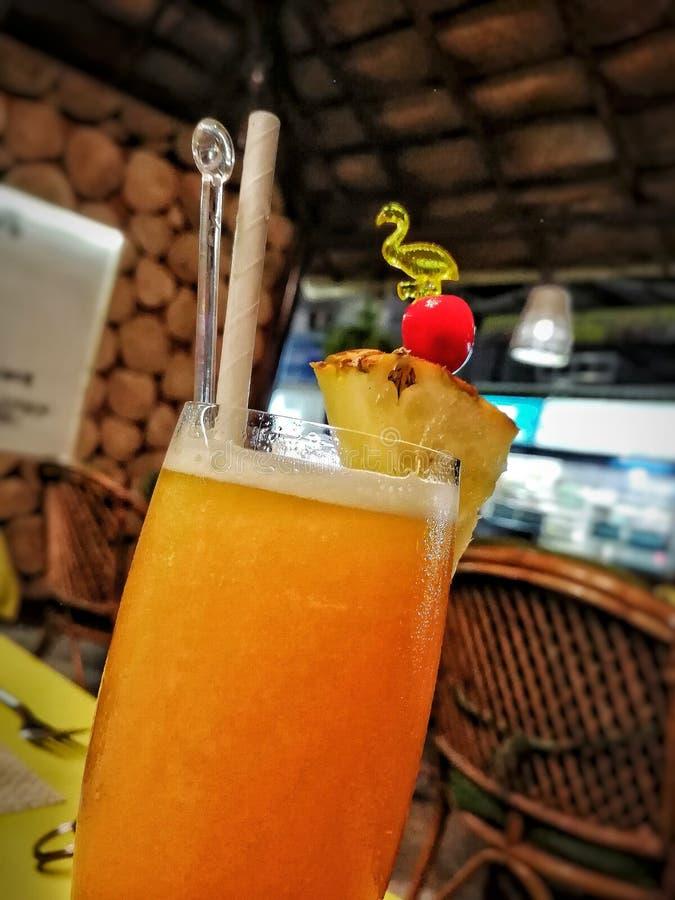 Μια πρόσφατα παρασκευασμένη διάτρηση φρούτων στις τροπικές διακοπές το περασμένο καλοκαίρι στοκ εικόνες