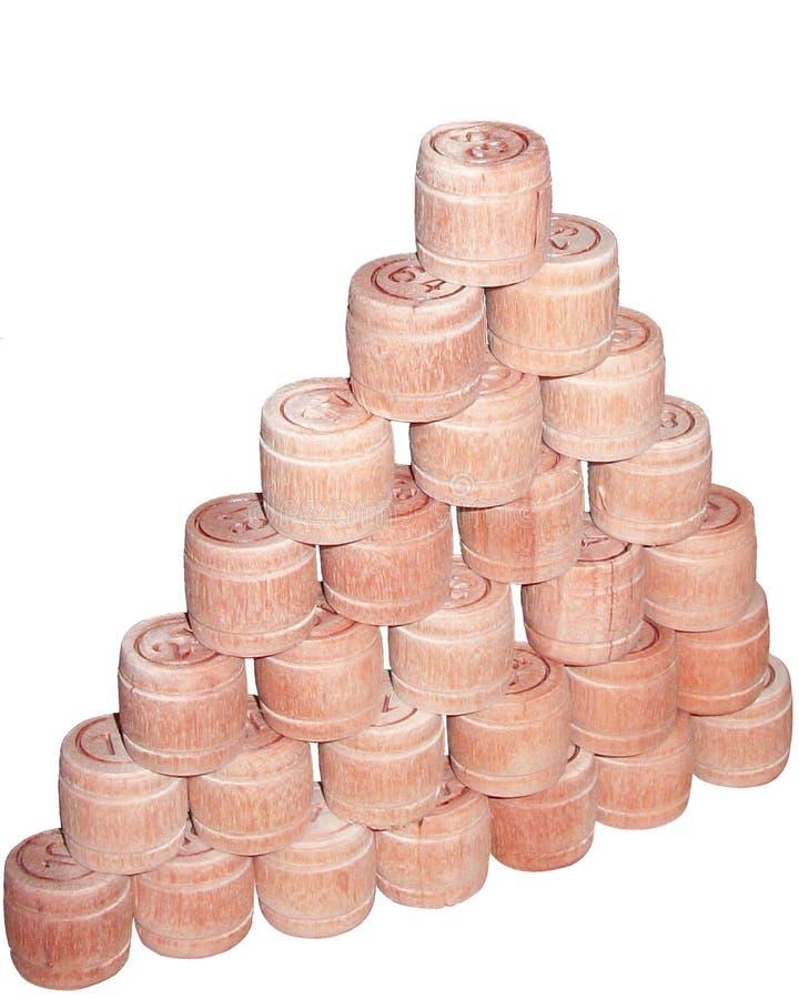 Μια πυραμίδα βαρελιών λόττο στοκ φωτογραφίες