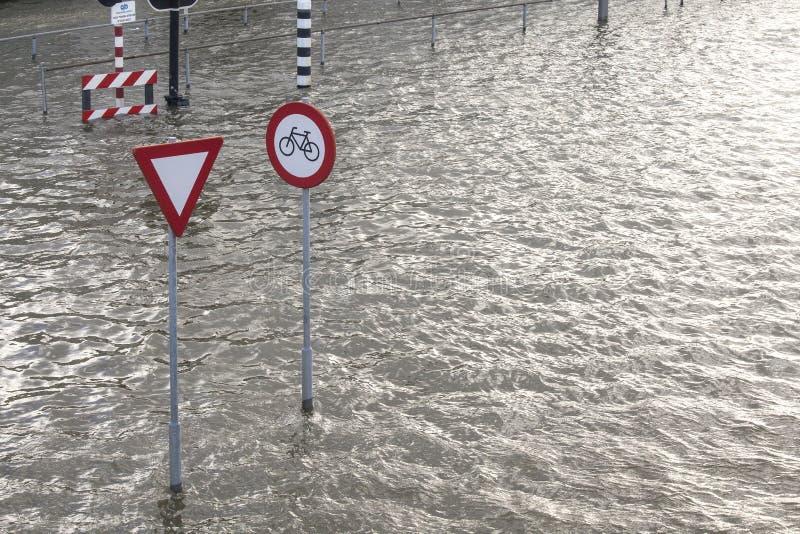 Μια πλημμυρισμένη πόλη στις Κάτω Χώρες στοκ φωτογραφίες με δικαίωμα ελεύθερης χρήσης