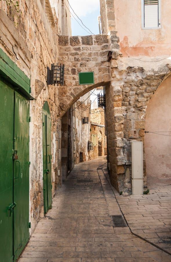 Μια στενή αλέα σε Akko (στρέμμα), βόρειο Ισραήλ στοκ εικόνες
