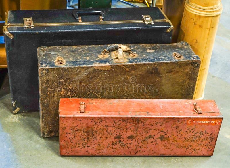 Μια συλλογή των παλαιών εκλεκτής ποιότητας βαλιτσών στοκ φωτογραφία με δικαίωμα ελεύθερης χρήσης