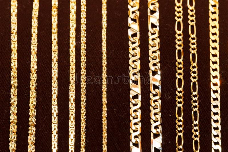 Χρυσά περιδέραια στοκ εικόνες
