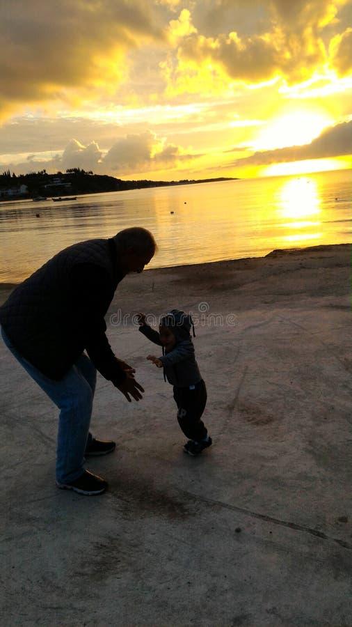 Μια σύνδεση παππούδων και εγγονών στοκ φωτογραφία με δικαίωμα ελεύθερης χρήσης