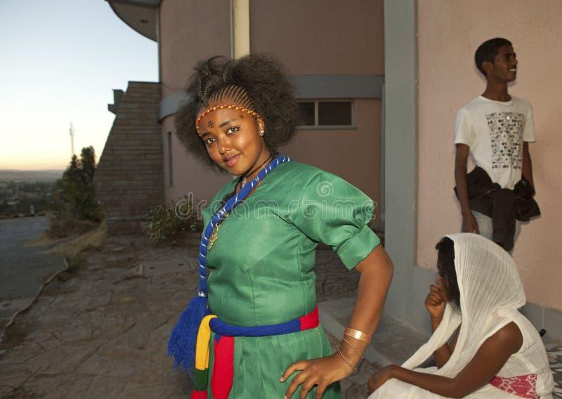 Μια τοποθέτηση κοριτσιών, Αιθιοπία στοκ εικόνα