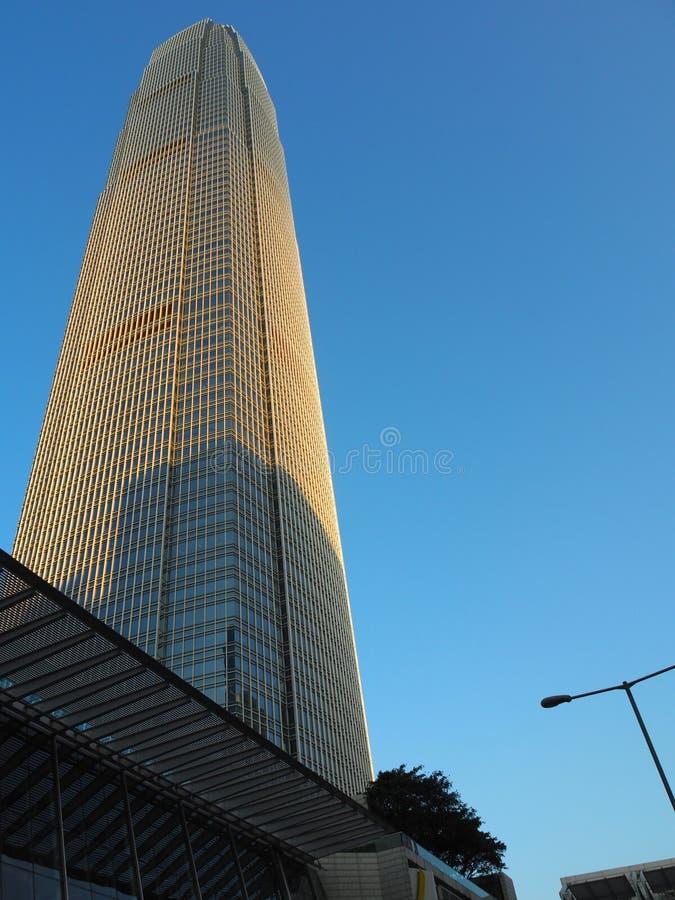 Μια φωτογραφία του ουρανοξύστη δύο διεθνές κέντρο χρηματοδότησης, που τελειώνουν το 2003 και ακόμα ένα στοκ φωτογραφίες