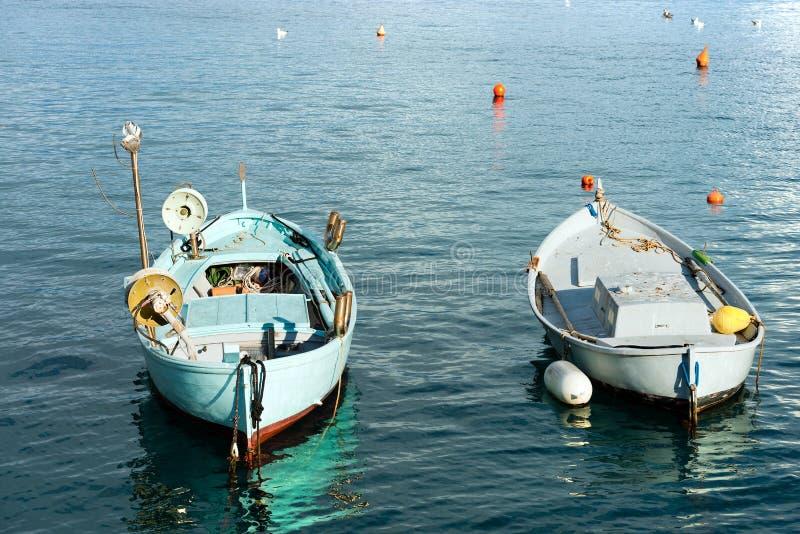 Μικρά αλιευτικά σκάφη σε Portofino Λιγυρία Ιταλία στοκ φωτογραφία