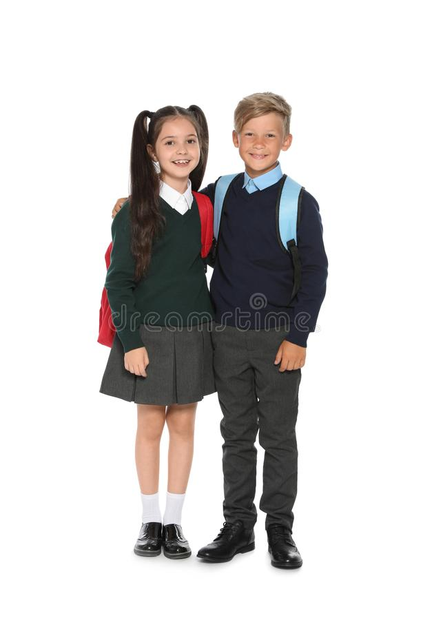 Μικρά παιδιά στη μοντέρνη σχολική στολή στοκ εικόνα με δικαίωμα ελεύθερης χρήσης