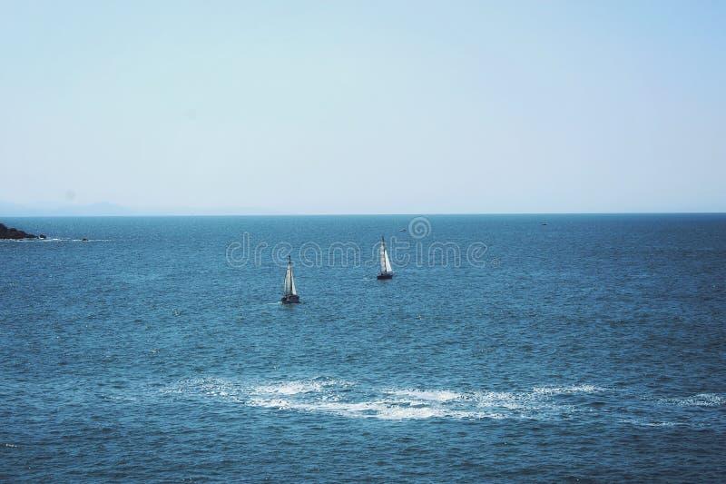 μικρά sailboats στοκ φωτογραφίες