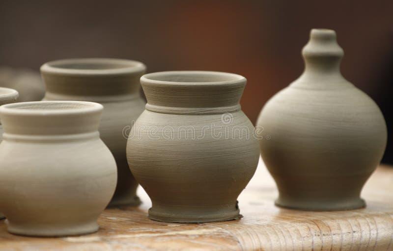 μικρά vases αγγειοπλαστικής στοκ εικόνες με δικαίωμα ελεύθερης χρήσης