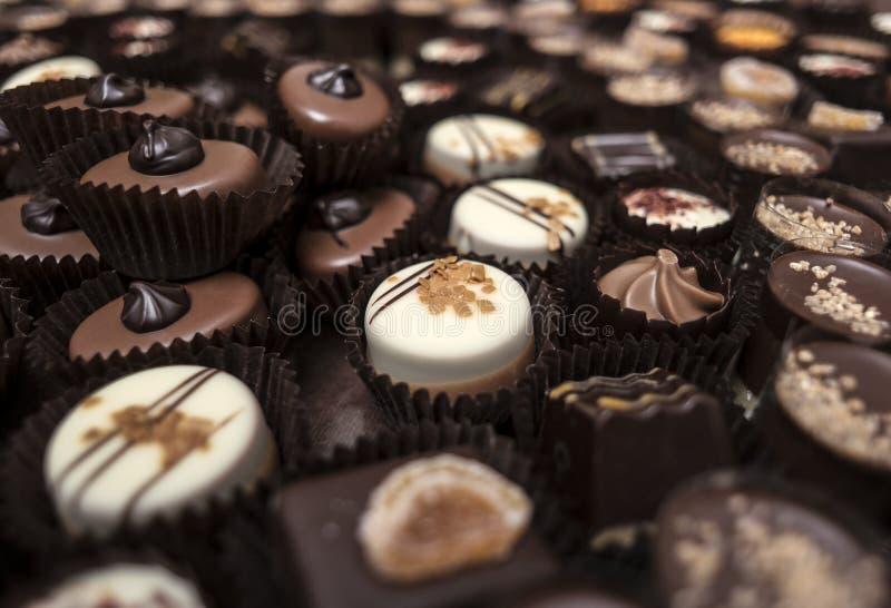Μικρές έρημοι σοκολατών που συσσωρεύονται από κοινού στοκ εικόνες με δικαίωμα ελεύθερης χρήσης