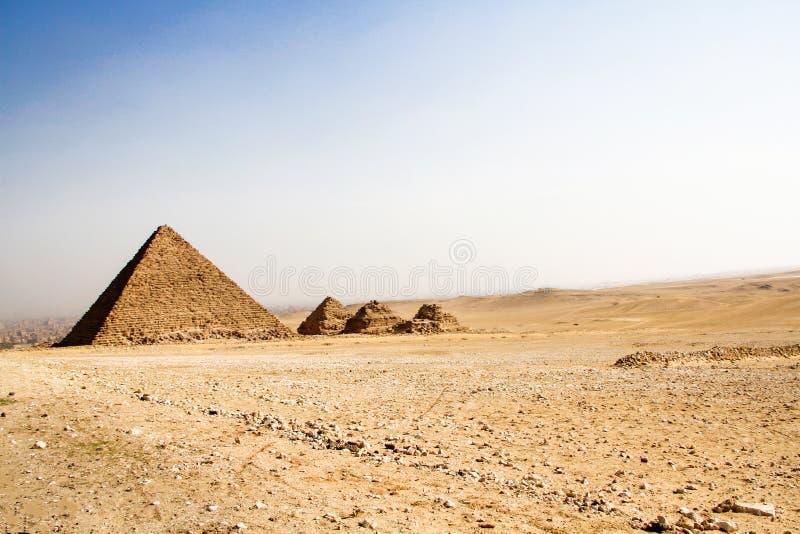 Μικρές πυραμίδες Giza, Αίγυπτος στοκ φωτογραφία