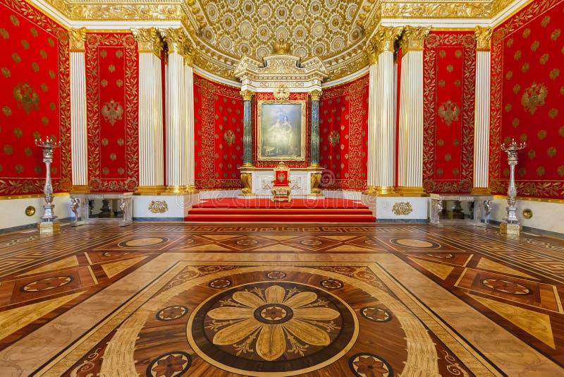 Μικρή αίθουσα θρόνων του χειμερινού παλατιού, η Αγία Πετρούπολη στοκ εικόνες