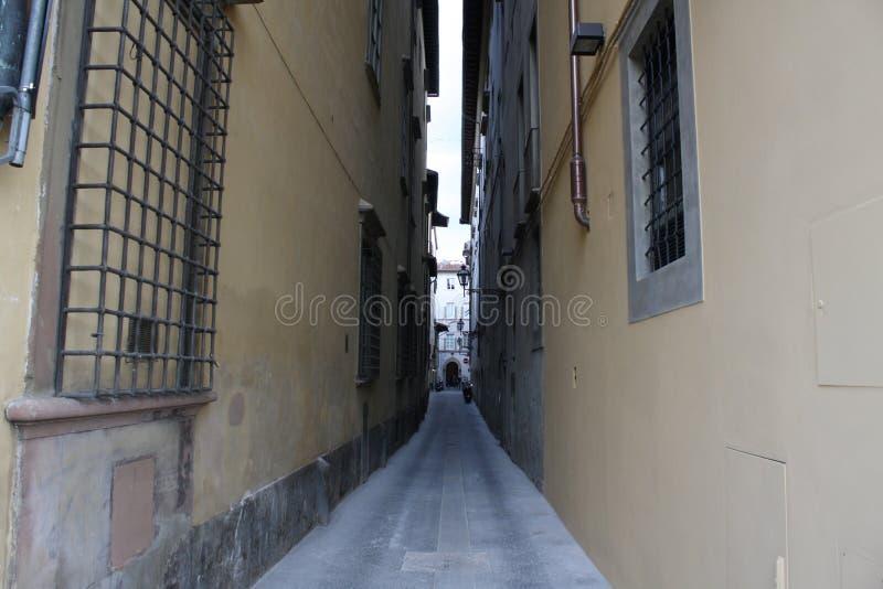 Μικρή οδός σε Florenze Ιταλία στοκ εικόνες με δικαίωμα ελεύθερης χρήσης