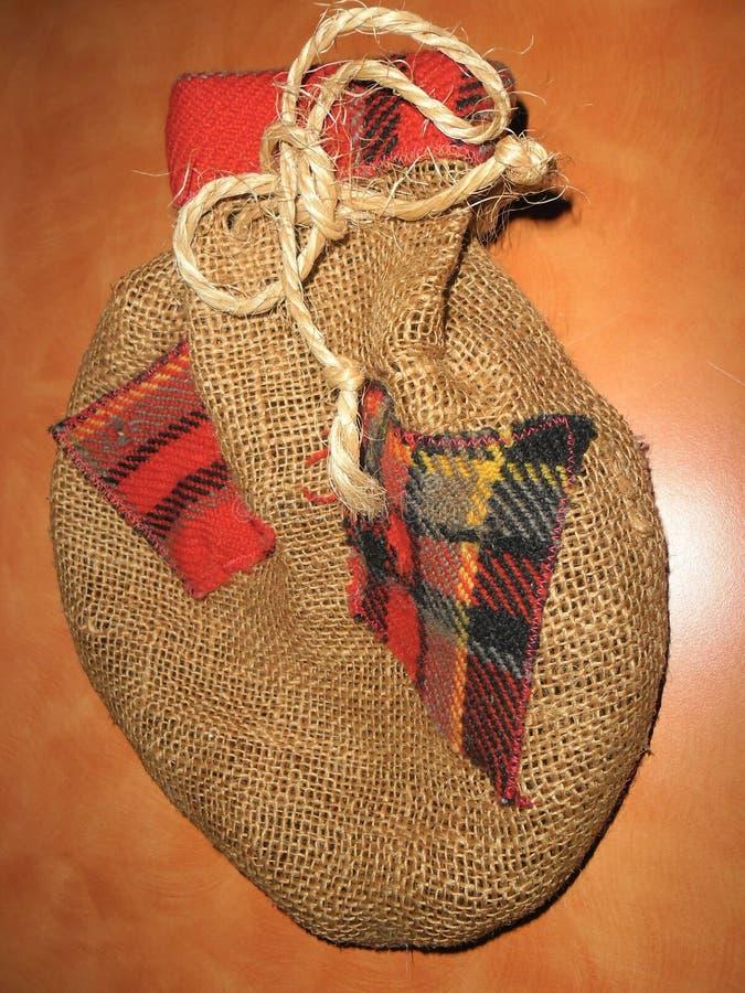 Μικρή τσάντα sackcloth στοκ φωτογραφία