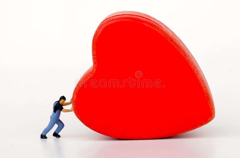 Μικρογραφία ενός ατόμου που αρνείται την αγάπη στοκ εικόνα