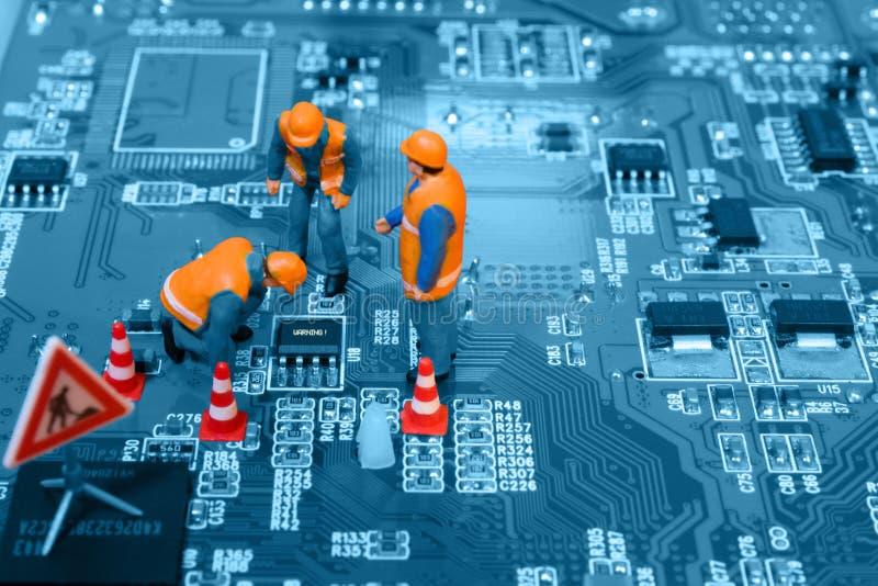 μικρογραφία καθορισμού σφάλματος μηχανικών τσιπ στοκ φωτογραφίες