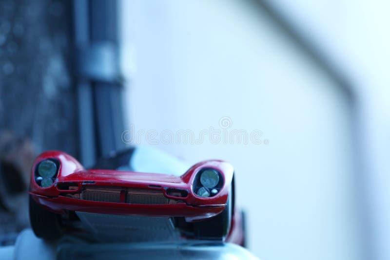 Μικροσκοπική πρότυπη σκηνή αυτοκινήτων παιχνιδιών στοκ εικόνα