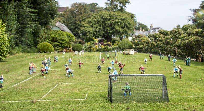 Μικροσκοπικό ποδοσφαιρικό παιχνίδι στοκ εικόνες