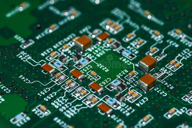 Μικροτσίπ, radioelements, επεξεργαστής στον ηλεκτρονικό πίνακα, μητρική κάρτα στοκ εικόνες