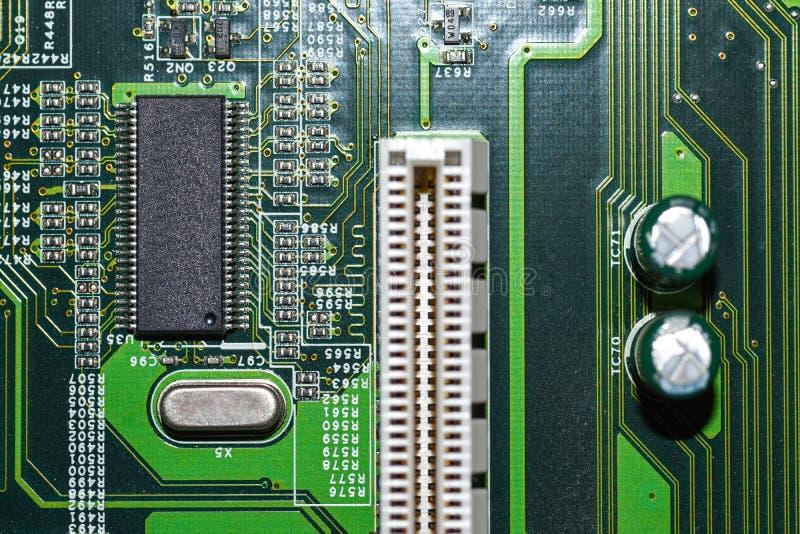 Μικροτσίπ, radioelements, επεξεργαστής στον ηλεκτρονικό πίνακα, μητρική κάρτα στοκ εικόνα με δικαίωμα ελεύθερης χρήσης