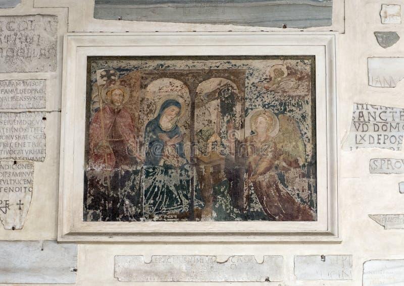 Μικρός τοίχος νωπογραφίας του narthex της βασιλικής της Σάντα Μαρία σε Trastevere στοκ φωτογραφία