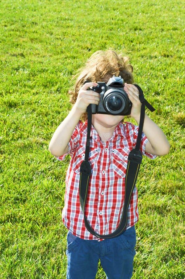 Μικρός φωτογράφος παιδιών στοκ φωτογραφία