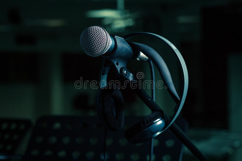Μικρόφωνο και ακουστικά στη στάση στοκ εικόνες με δικαίωμα ελεύθερης χρήσης