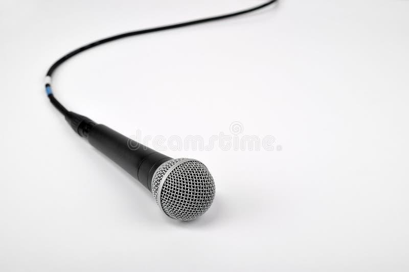 Μικρόφωνο στο λευκό στοκ εικόνες