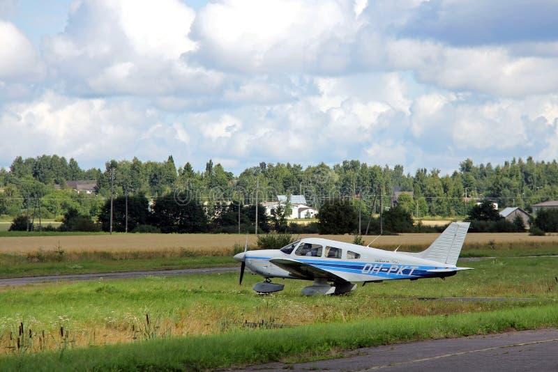Μικρό αεροπλάνο έτοιμο να απογειωθεί στοκ φωτογραφίες