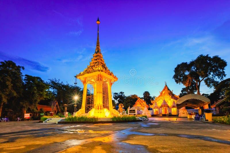 μικρό βασιλικό κρεματόριο για το βασιλιά περασμάτων της Ταϊλάνδης στοκ φωτογραφία με δικαίωμα ελεύθερης χρήσης