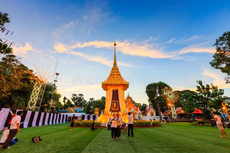 μικρό βασιλικό κρεματόριο για το βασιλιά περασμάτων της Ταϊλάνδης στοκ εικόνες