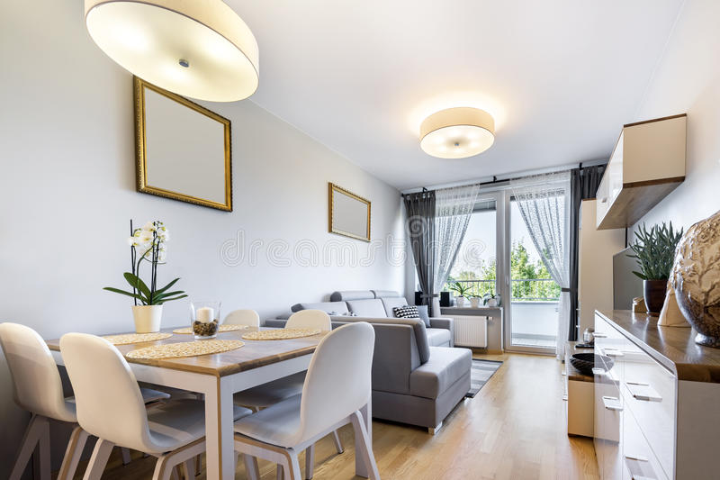 Μικρό διαμέρισμα - σύγχρονη εσωτερική σειρά desugn στοκ εικόνα