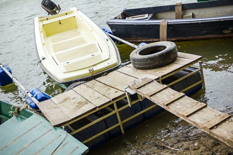 Μικρό λιμάνι για τις μικρές βάρκες στοκ εικόνες