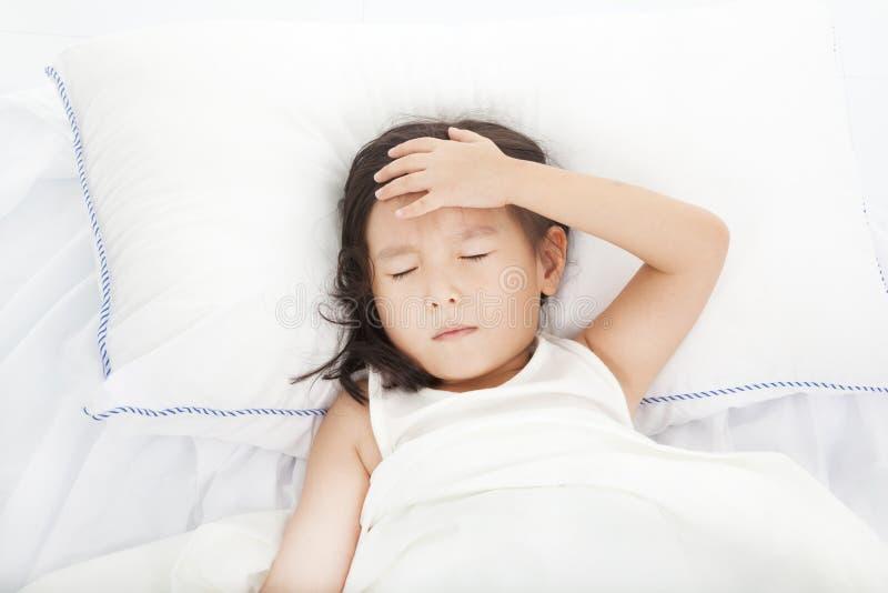 Μικρό κορίτσι με την ασθένεια στοκ φωτογραφία