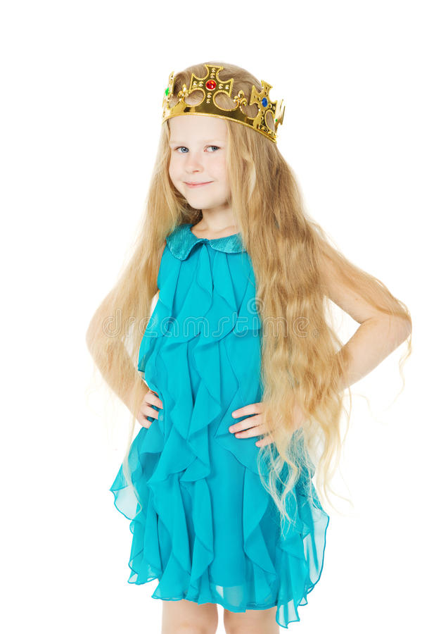 Μικρό κορίτσι με την κορώνα βασίλισσας, μακριές τρίχες παιδιών στοκ εικόνες